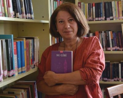 """Kanser Hastası bir Anne ve Kızının Gerçek Hikayesini Anlattı. Kitabı """"SU GİBİ""""yi, yazarı Serpil Devrim'den dinledik."""